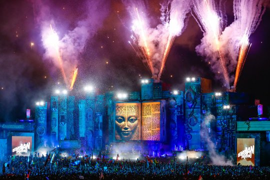 tomorrowworld1