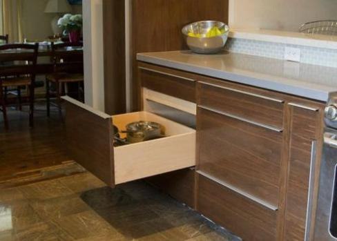 Solid wood drawers, made in our studio that are dovetailed on all four corners are standard on all Dark Horse projects.