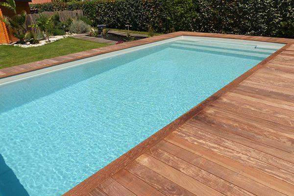 piscine coque a fond incline a biscarosse
