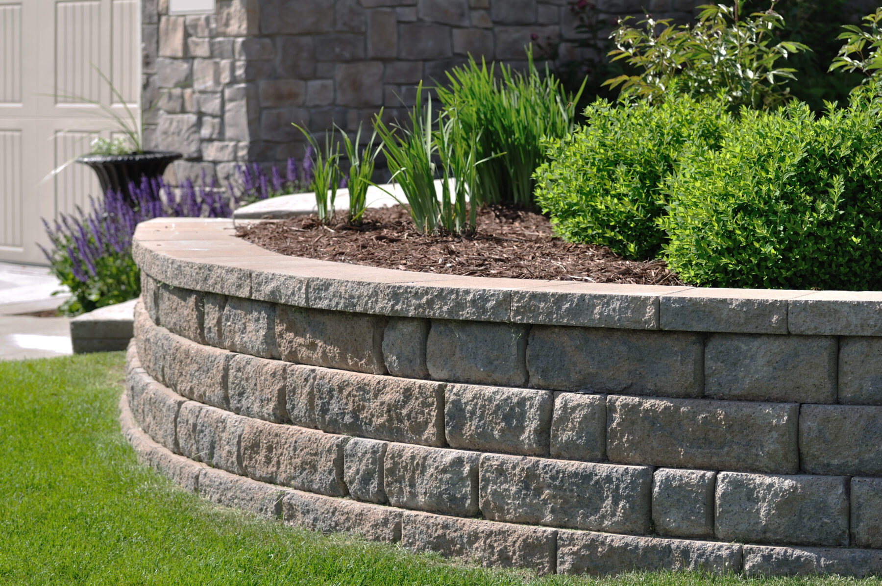 Compare the 6 Most Common Types of Retaining Walls