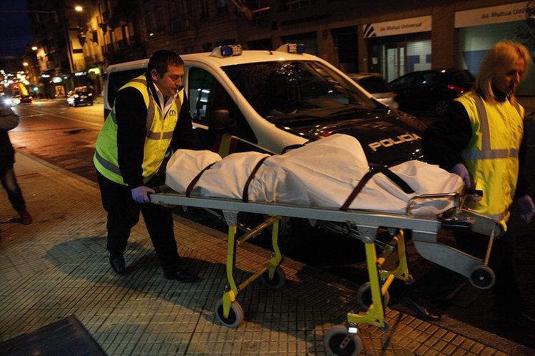 Una mujer de 47 años aparece muerta en su piso en Ourense