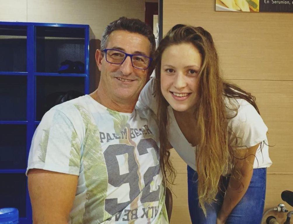 Chano Rodríguez, junto a la nadadora olímpica pontevedresa Bea Gómez.
