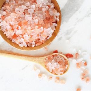 Peeling rivitalizzante al sale rosa dell'Himalaya