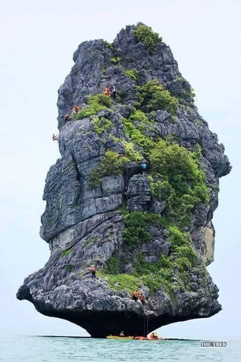 Batu menara pulau Sumba Nusa Tenggara Timur