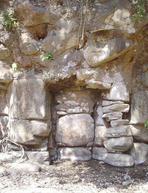 Resonansi pada Petroglif di Altavista, Meksiko. …