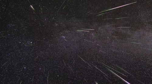 Jangan Lewatkan Puncak Hujan Meteor Perseid Akhir …