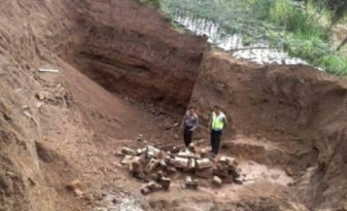 Bangunan Candi Abad 8 Ditemukan di Lereng Merapi. …