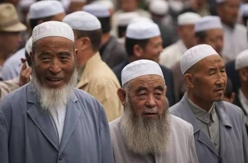 Orang Tionghoa Membawa Islam ke Indonesia. …