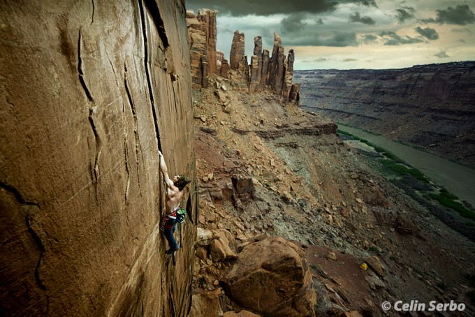 Daniel Woods climbing High Deductible 5.12 above the Green River in Labyrinth Canyon, UT.