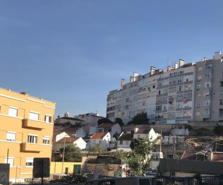 Quinta do Ferro, Lisboa - A Neighborhood in Limbo