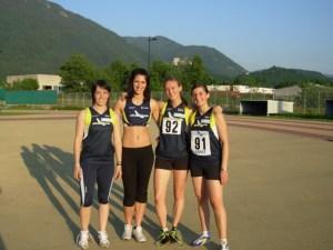 Federica Bampi (seconda da destra) assieme alle altre staffettiste della 4x100m