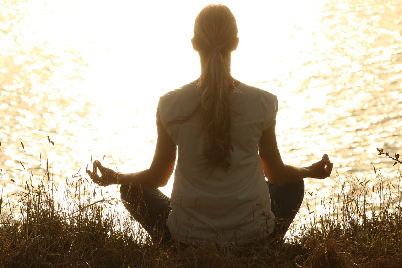How Meditation Help Us To Deal with Emotional Pain