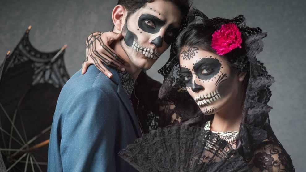Calaveras; Literary Humour In Mexico's Day Of The Dead
