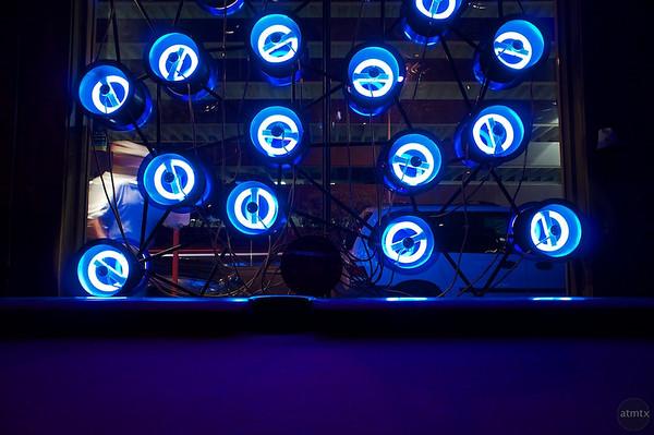Lucky Lounge's Window Neon