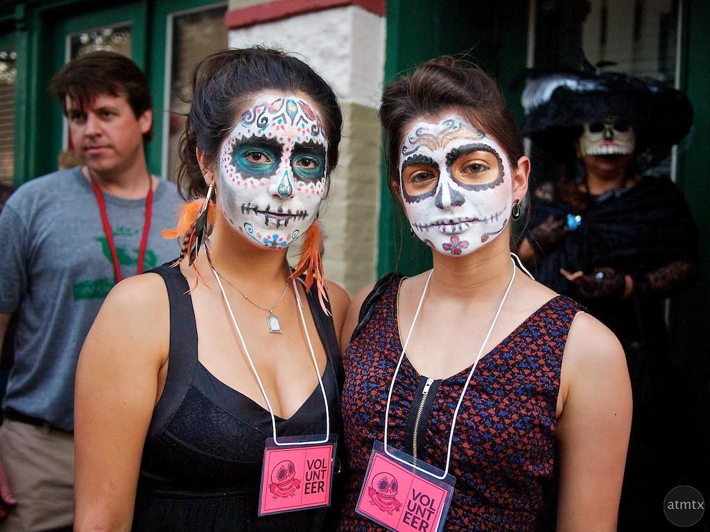 Regina and Mariana, Dia de los Muertos Parade