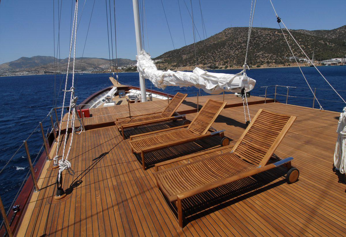 Exterior yacht wooden refit