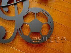 ト音記号とサッカーボールと四葉のクローバーのアルミ製妻飾り