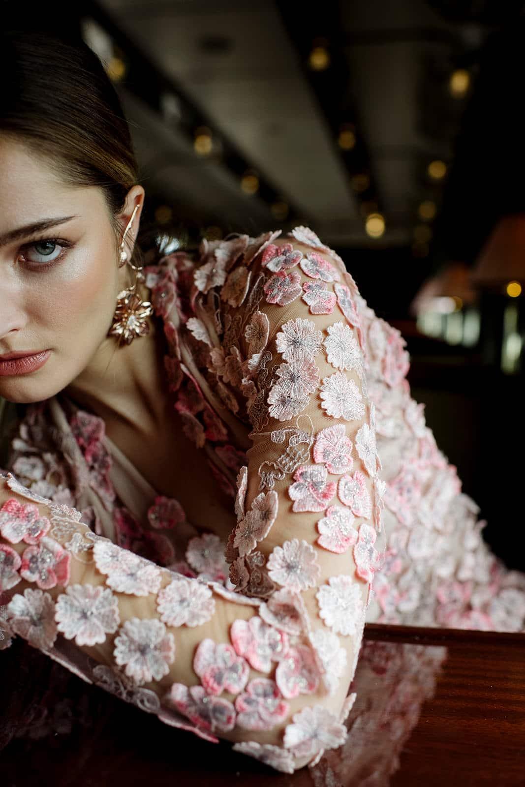 Robe de mariée brodée luxe Atout Coeur Wedding