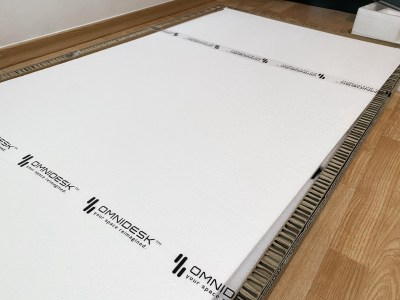 The surface of the Omnidesk Pro is properly secured and packaged with foam all around it.