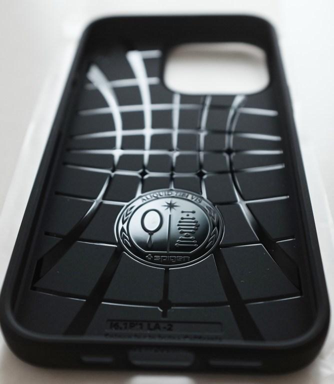 Spigen Liquid Air iPhone 13 Pro - Air Cushion Technology