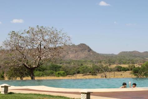 piscina da pousada Taman Baru em Pirenópolis