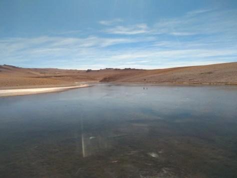 Lago congelado no Deserto de Atacama