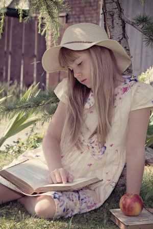 child-girl-read-learn-159556