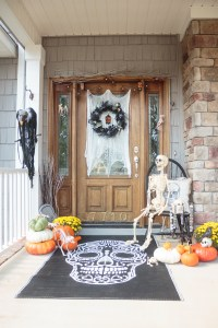 DIY Halloween Decorations for the Front Porch - Atta Girl Says