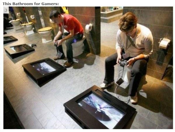 Il bagno dei gamer... perché non si può mai smettere di giocare