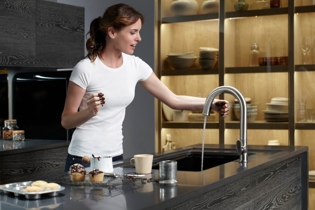 no touch kitchen faucet extendable table sensor just wave above or below a hands free to turn the water on off