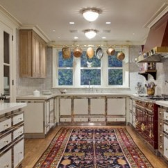 Kitchen Carpets Island Carts Room Size Atticmag Oriental Rug In A Red And White La Cornue