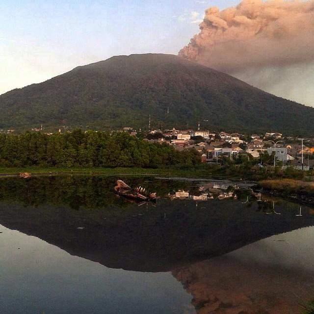 vulcano-Gamalama-indonesia10