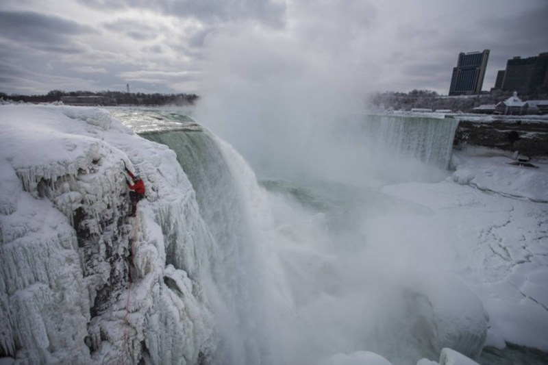 will-gadd-ice-climbs-up-frozen-niagara-falls-ny-becoming-the-firs-person-to-ever-ascend-the-famous-waterfall_mediagallery-fullscreen