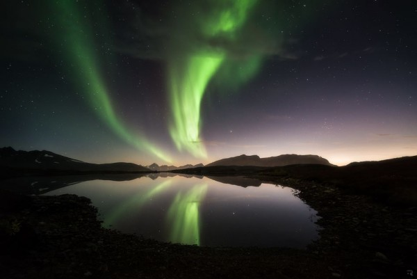 aurora-6-22-2015-Art-by-T-Richardsen-Sorkjosen-Troms-northern-Norway-e1435049361379