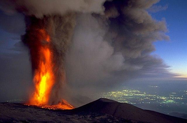 panorama-etna-eruzione