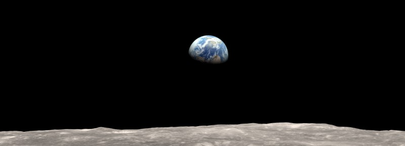 moon_and_earth_lroearthrise_frame_0