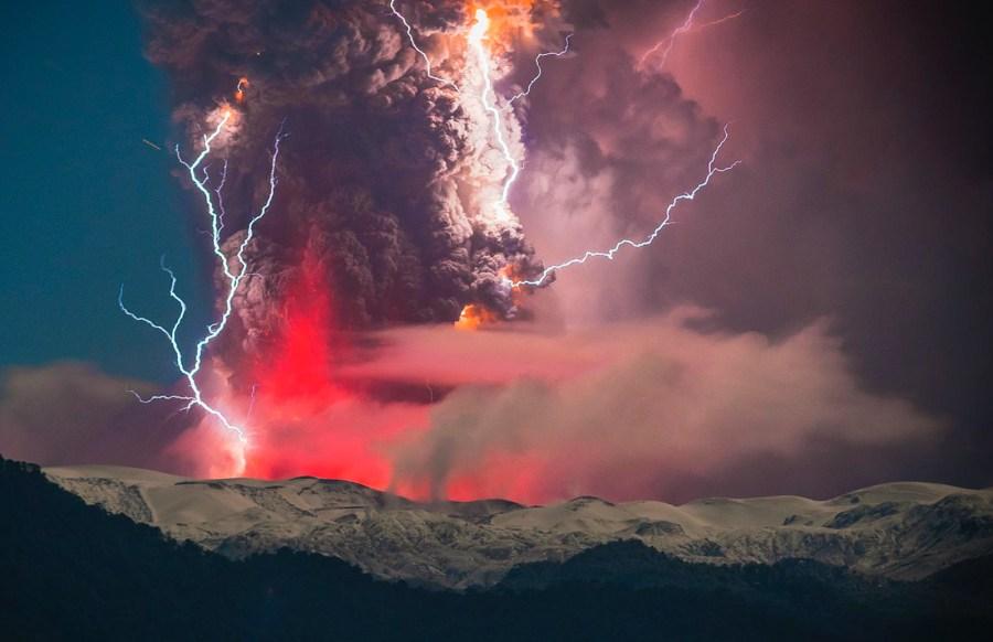 eruzione-vulcano-fulmini