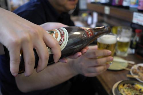 飲み会で上司がお酌を強要するような職場は辞めるべき理由を語る!