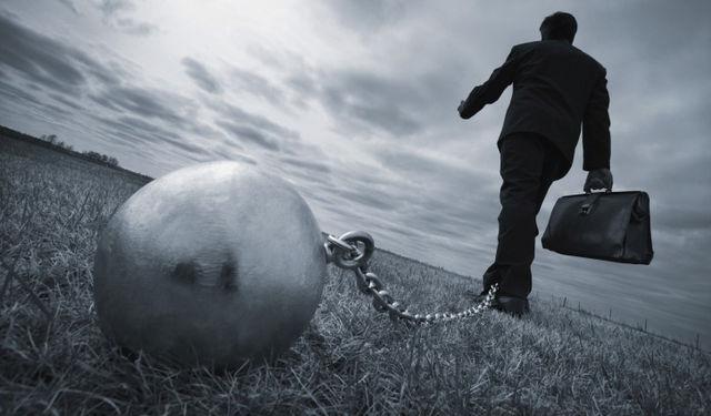 社畜の鎖自慢はアホのすること!ほっといて自分は転職すべき!