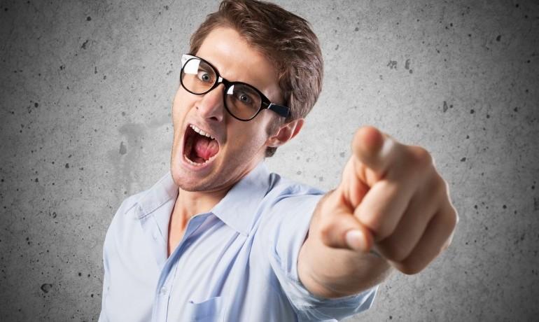 仕事で「人のせいにする」という考え方は重要だと断言する!