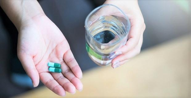 薬を飲みながらする仕事は続ける価値がない今すぐ辞めるべきゴミだ!