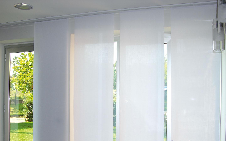 Cambiare il colore, il tessuto, il modello delle tende,. Tende A Pannello O Persiane Quali Scegliere Per Arredare Al Meglio Atuttoportale It