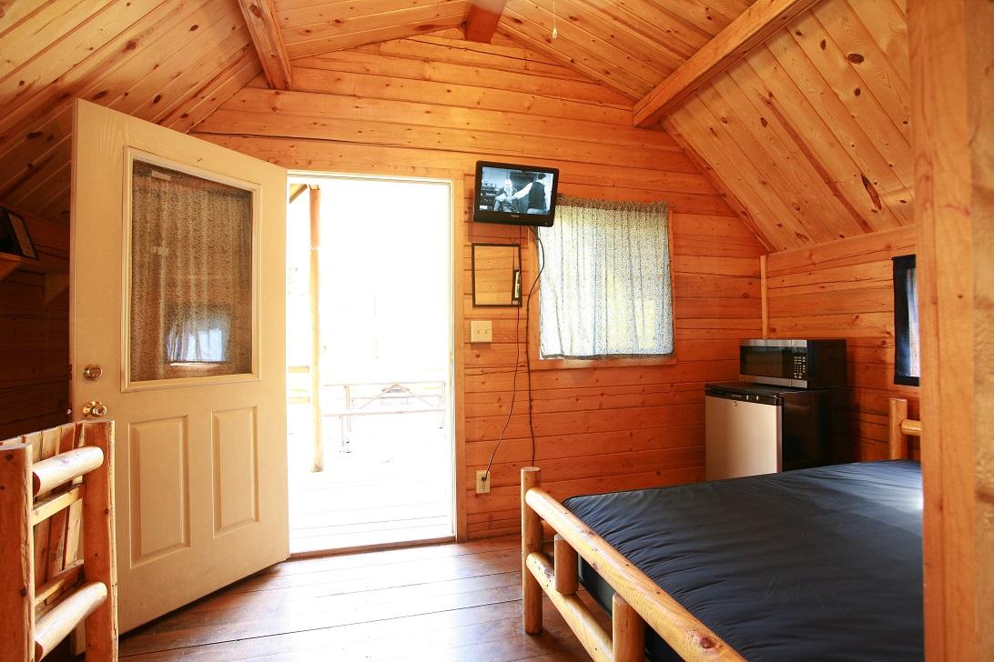 2 Room Deluxe Cabin  AshlandATVResort