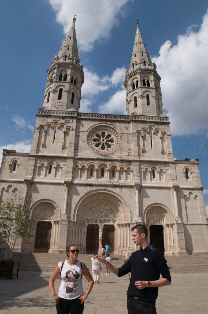 églises et cathédrales de mâcon (tour insolite de la ville)