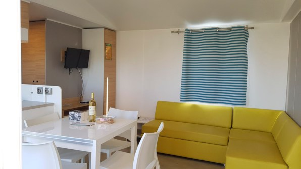 Pièce de séjour - cottage camping Sandaya Tamaris