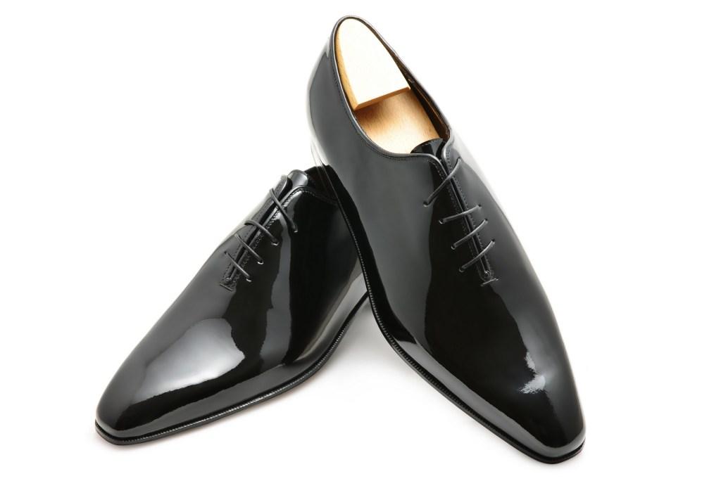 Le richelieu Oxford one-cut Crazy-Lace en cuir noir