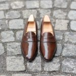 Le mocassin penny loafer Darcy en cuir marron