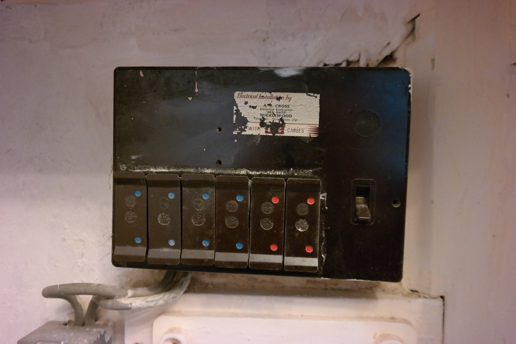 hight resolution of electric box disconnect with fuses wiring diagram article review old fuse box wiring disconnect