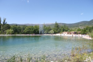 Idées de sorties - Se baigner au plan d'eau du Rosans