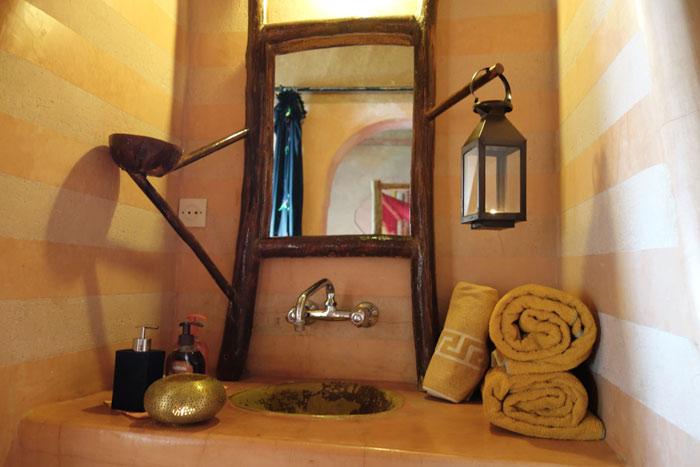 Bathroom At Desert Hotel Auberge Cafe Du Sud